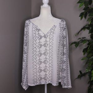 Como Vintage Long Sleeve Lightweight Blouse
